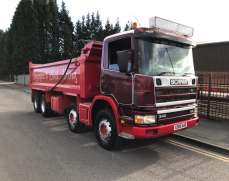 2000 Scania 114 340 8x4 32 Tons Steel body Tippet