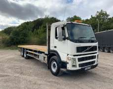 2003 FM9 260 BHP 26 Tones Flat bed, Ten Tyre 6x2 spring suspension both front and rear, Rear Lift axle,Day Cab,