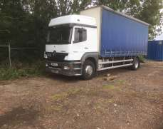 2003 MERCEDES Bend 1823 4x2 18 TonS Curtainside , aManual gearbox Sleeper Cab Spring suspension Upright Airintake