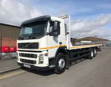 2003 Volvo FM9 300 6x2 Rear Lift Day Cab Flatbed, 8 Speed Gearbox Gearbox, H